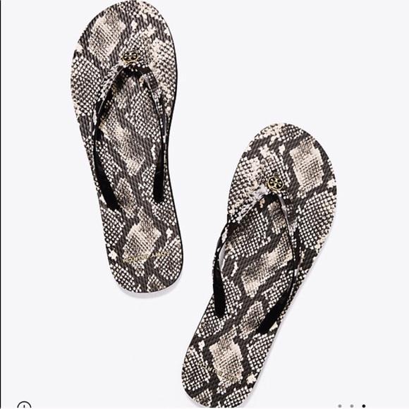 e64d992a3fdb Tory Burch Roccia Printed Thin Flip Flop